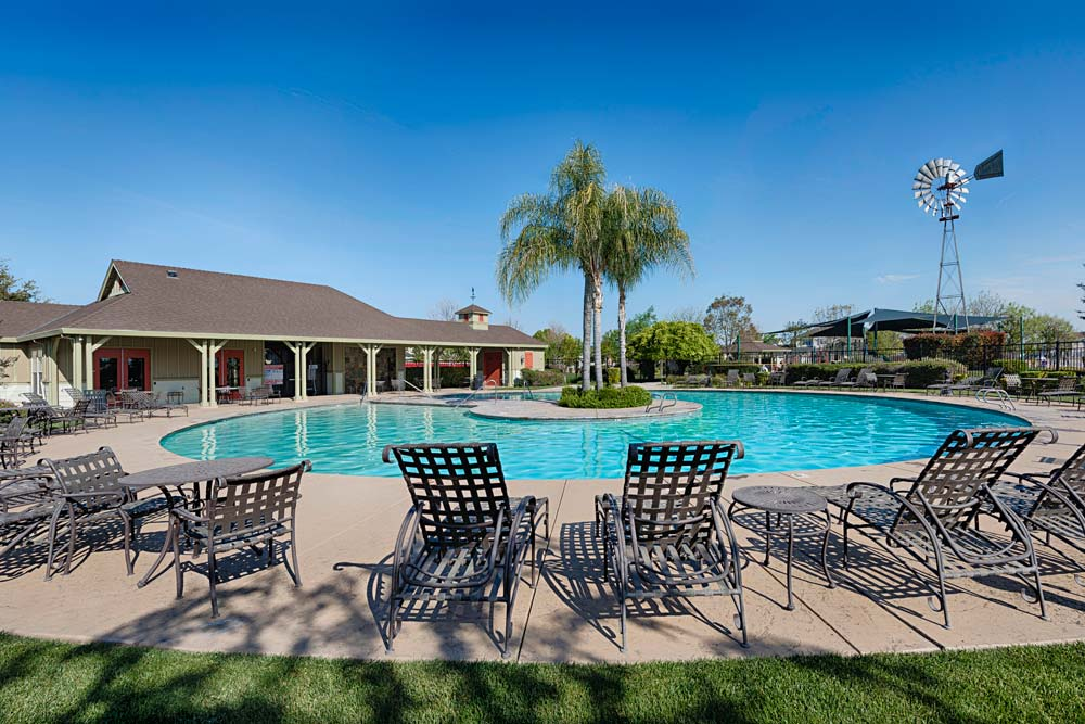 tule_heights_community_pool